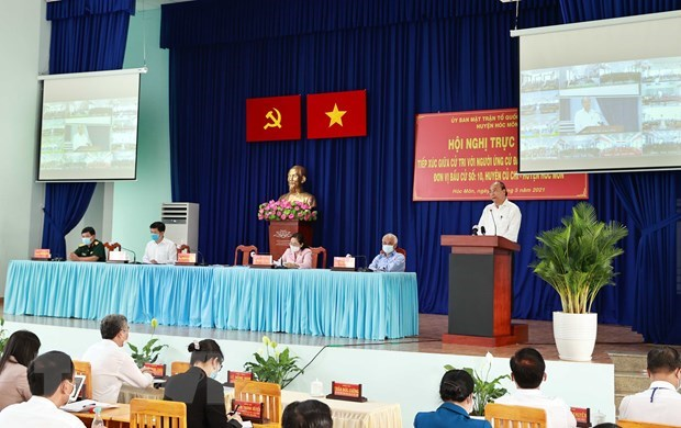 State President meets with Ho Chi Minh City's voters hinh anh 1