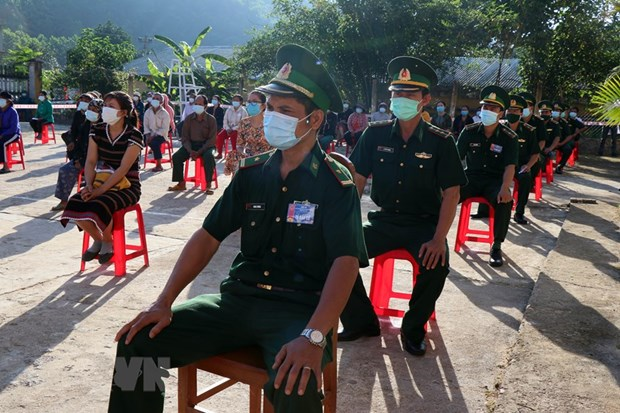 Early voting held in island, remote areas hinh anh 2