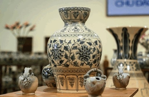 Exhibition highlighting Vietnamese ceramic arts to be held in mid-October hinh anh 1