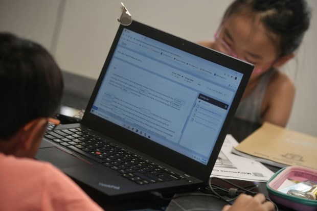 Schools in Singapore begin home-based learning hinh anh 1