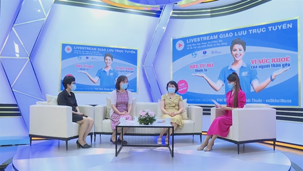 Online talk show calls for stopping second-hand smoke hinh anh 1