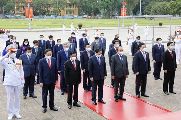Leaders pay tribute to President Ho Chi Minh on birth anniversary hinh anh 2