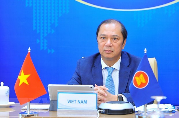 Vietnam proposes ASEAN, China prioritise coordination in COVID-19 fight hinh anh 1
