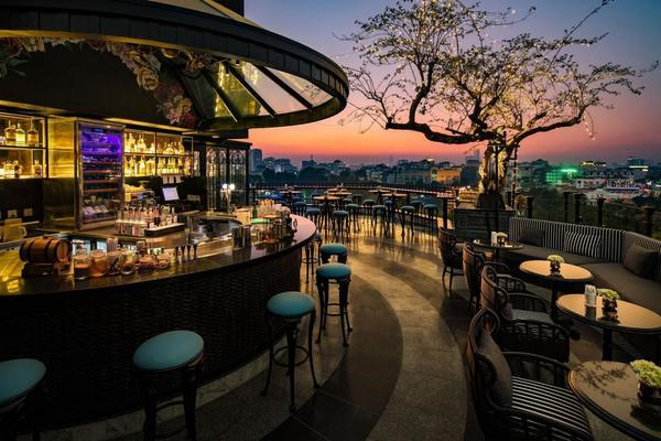 Hanoi has four hotels with rooftops listed in world's Top 25 hinh anh 2