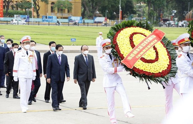Leaders pay tribute to President Ho Chi Minh on birth anniversary hinh anh 1
