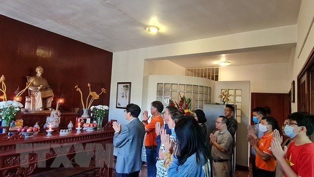 Overseas Vietnamese commemorate President Ho Chi Minh hinh anh 1