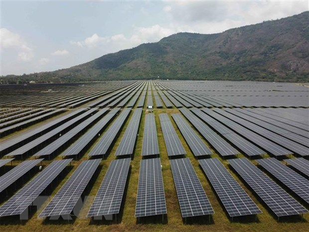 India launches anti-dumping probe on solar panels from Vietnam hinh anh 1
