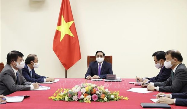 Vietnamese, Canadian PMs hold phone talks hinh anh 1