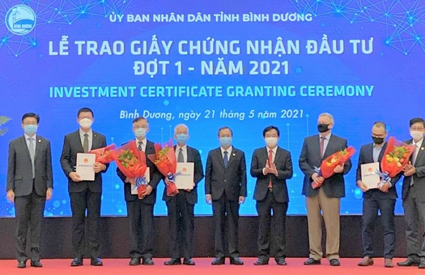 Binh Duong hands over investment certificates to five FDI projects hinh anh 2
