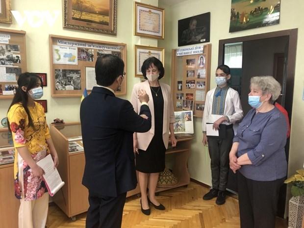 Ho Chi Minh's birthday anniversary celebrated in Ukraine, Mongolia hinh anh 1