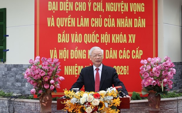 Vietnam to enter new stage of development: Party leader hinh anh 1