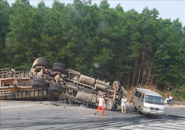 Traffic accidents claim 2,656 lives in first five months hinh anh 1