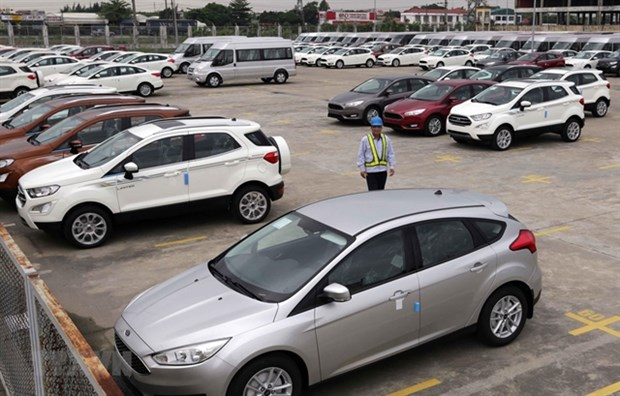 Car sales go online amid pandemic hinh anh 1