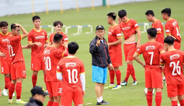 Head coach announces roster for upcoming games of World Cup qualifiers hinh anh 1