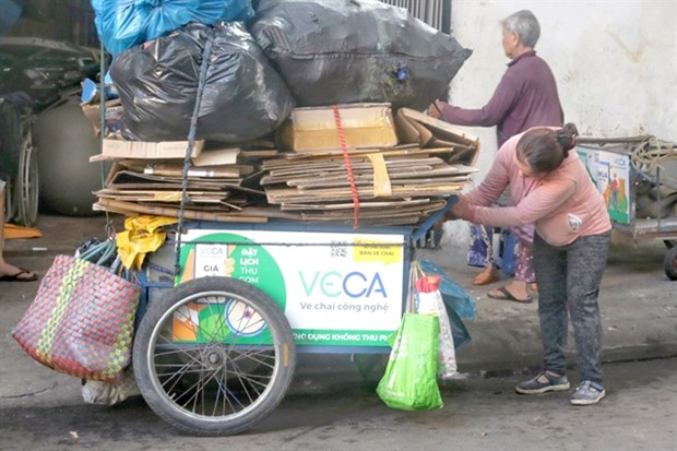 New app connects scrap collectors, buyers hinh anh 2
