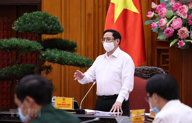 PM orders safety in industrial parks amidst COVID-19 resurgence hinh anh 1