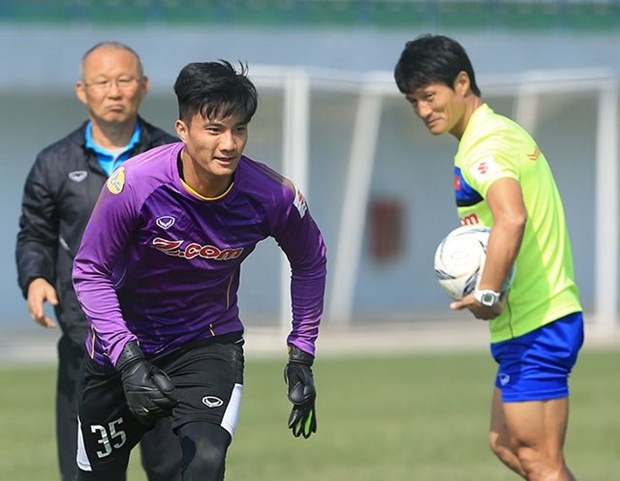 Goalie Nguyen Van Hoang added to Vietnam's World Cup team hinh anh 1