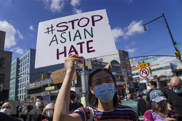 Vietnam welcomes issuance of COVID-19 Hate Crimes Act in US hinh anh 1