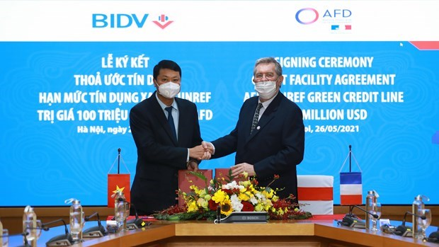 BIDV signs green credit agreement with French Development Agency hinh anh 1
