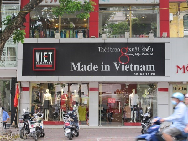 Vietnamese customers remain loyal to local retail brands: Nielsen hinh anh 1