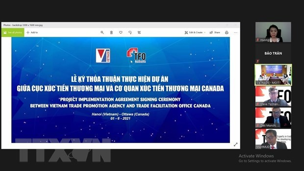Canada assists women-led enterprises in Vietnam hinh anh 1