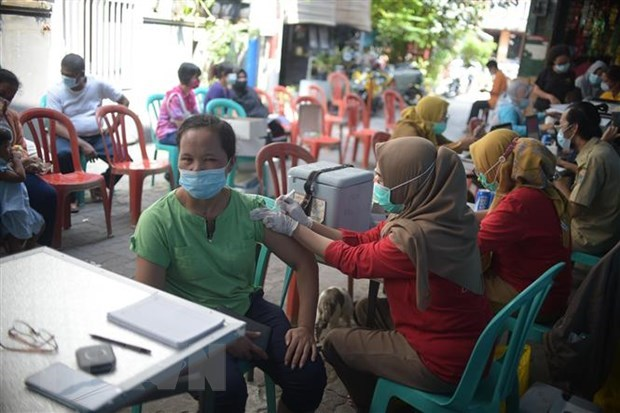 Indonesia, Malaysia tighten entry from several countries hinh anh 1