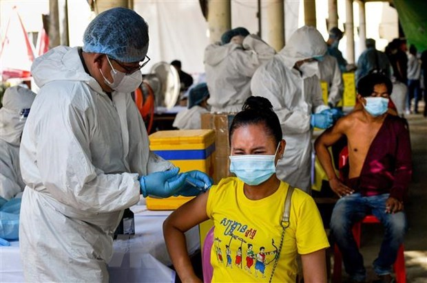 Cambodia records surge in COVID-19 cases again hinh anh 1