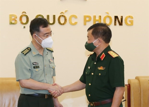 Vietnam, China foster defence ties hinh anh 1