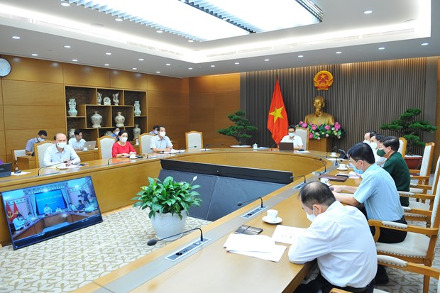 Firms in pandemic-hit Bac Ninh, Bac Giang assisted to resume operations hinh anh 1