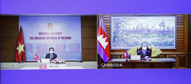 NA Chairman holds online talks with Cambodian counterpart hinh anh 1