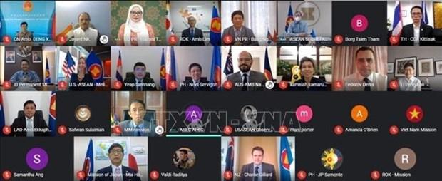 Vietnam attends EAS Ambassadors' virtual meeting hinh anh 1
