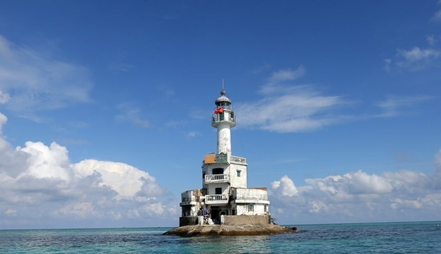 Truong Sa lighthouses affirm Vietnam's sovereignty over seas and islands hinh anh 1