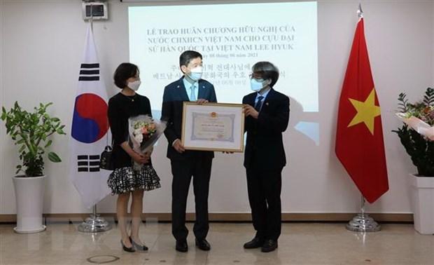 Former RoK Ambassador to Vietnam honoured with Friendship Order hinh anh 1