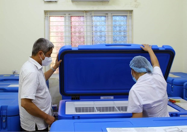 UNICEF provides Vietnam with vaccine refrigerators hinh anh 1