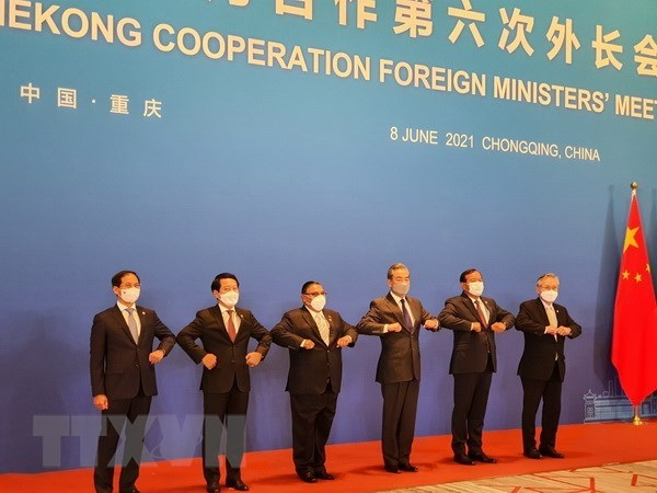 ASEAN-China cooperation: commitments to handling urgent issues hinh anh 2