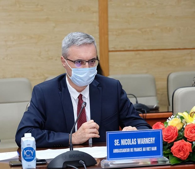 Vietnam hopes for more foreign support in accessing COVID-19 vaccines hinh anh 3