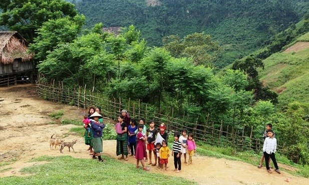 Dac Nong moves to improve ethnic minorities' material, spiritual lives hinh anh 1