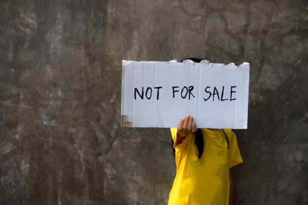 Embassy warns human trafficking in Cambodia hinh anh 1