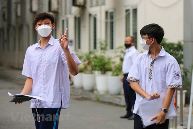 More than 93,000 students in Hanoi take high school entrance exams hinh anh 1