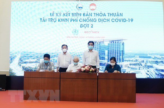 Becamex IDC aids mass COVID-19 testing in Binh Duong's IPs hinh anh 1