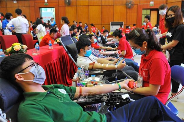 """""""Keep the world beating"""" chosen as slogan for World Blood Donor Day 2021 hinh anh 1"""