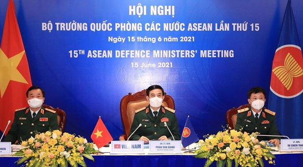 Vietnam attends 15th ASEAN Defence Ministers' Meeting hinh anh 1