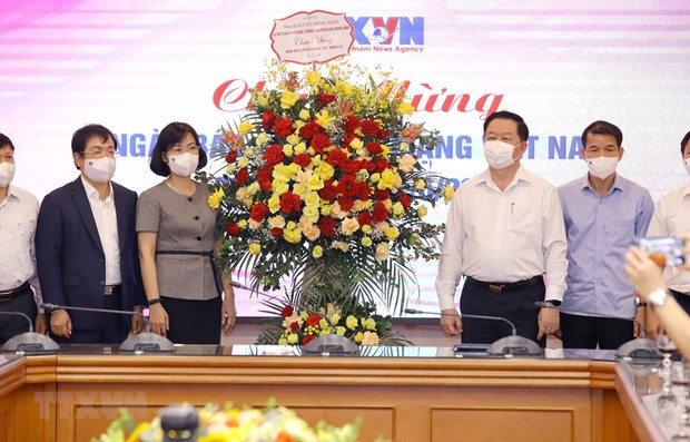 Greetings extended to press agencies on Revolutionary Press Day hinh anh 1