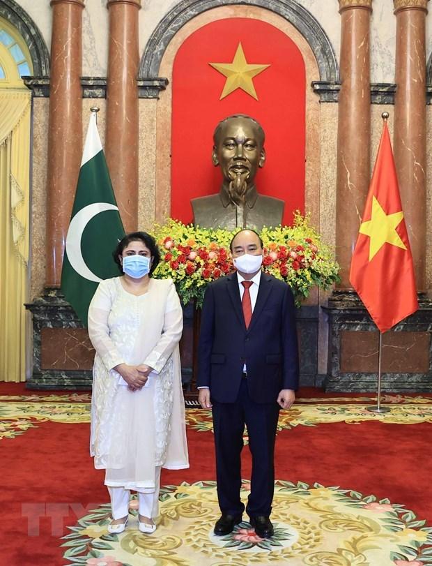 President Nguyen Xuan Phuc hosts foreign ambassadors hinh anh 3