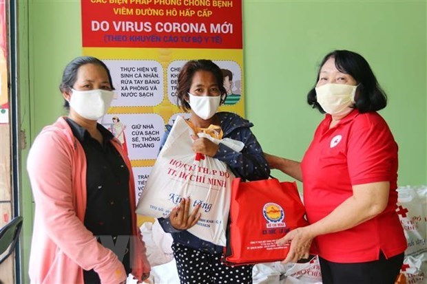 Tra Vinh disburses 6.32 million USD for pandemic-hit people hinh anh 1