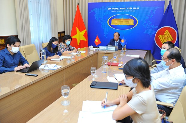 Vietnam calls for early completion of ASEAN travel corridor arrangement framework hinh anh 1