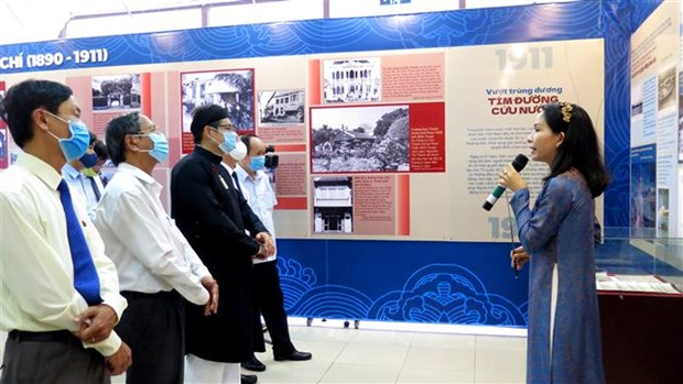 Exhibition on President Ho Chi Minh opens in Thua Thien-Hue hinh anh 1