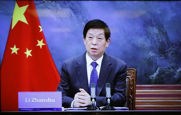 Vietnamese, Chinese top legislators hold online talks hinh anh 2