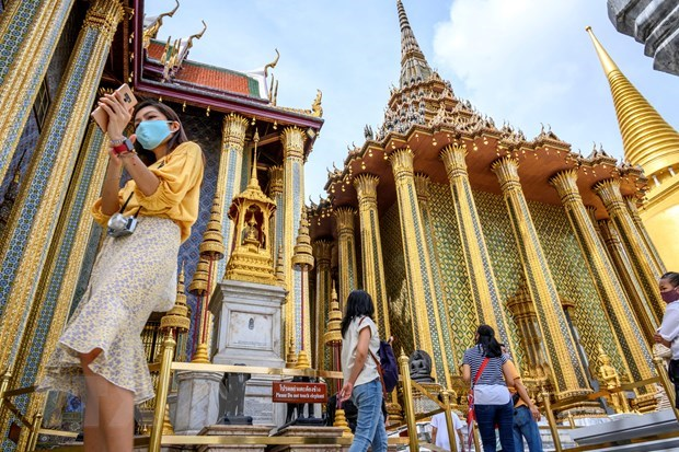 Thailand sets goal to reopen for international tourists in 120 days hinh anh 1