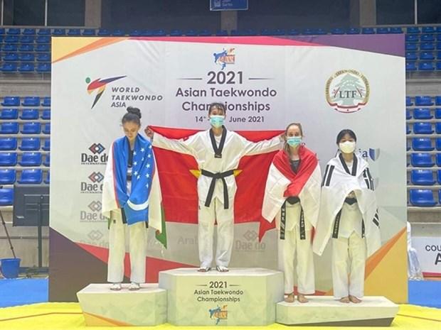 Vietnam win gold, silver at Asian Taekwondo Championship hinh anh 1